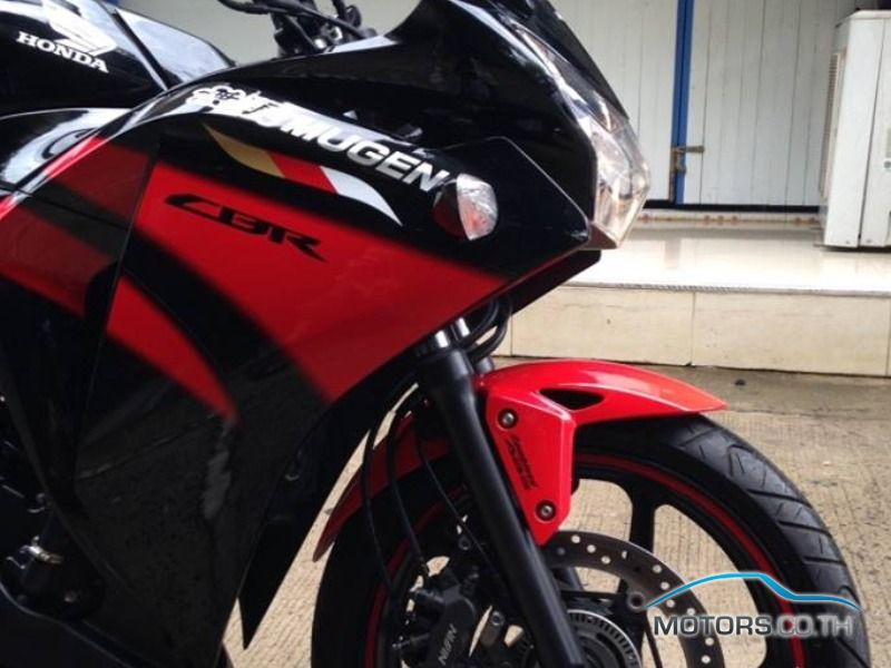 Secondhand HONDA CBR250RR (2015)