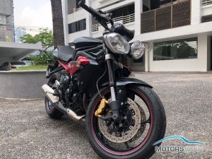 Secondhand TRIUMPH Street Triple (2015)