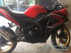 Secondhand HONDA CBR250R (2015)