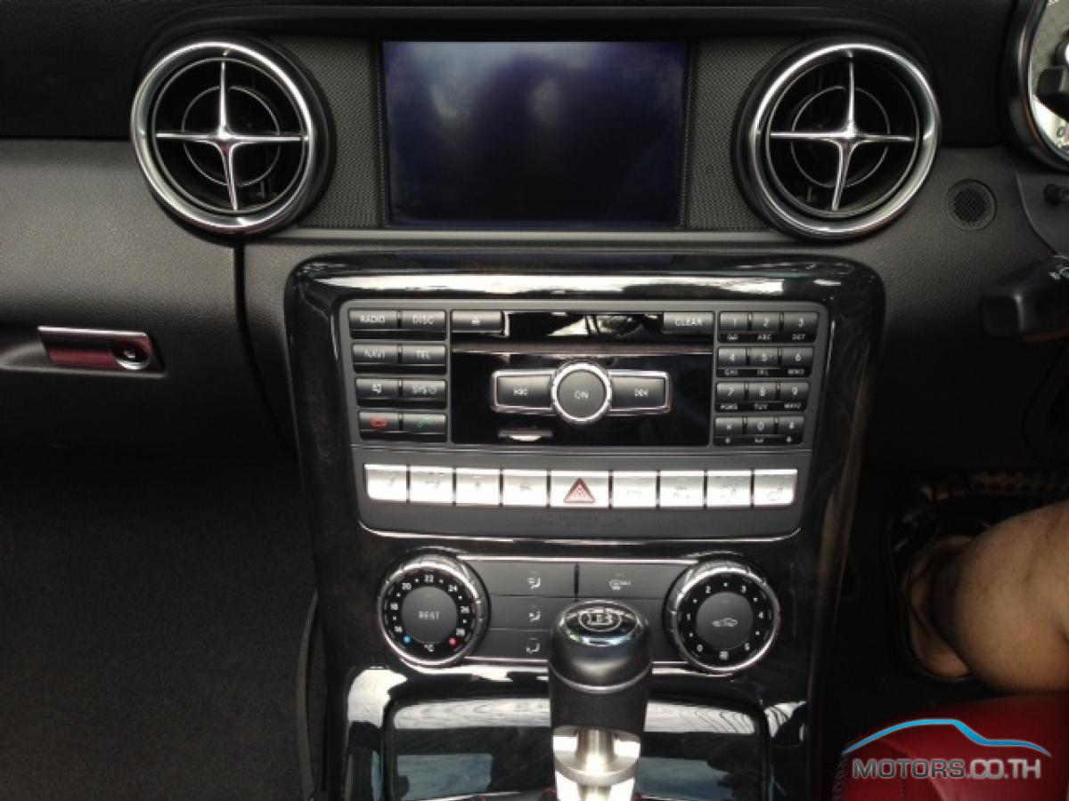 Secondhand MERCEDES-BENZ SLK CLASS (2012)
