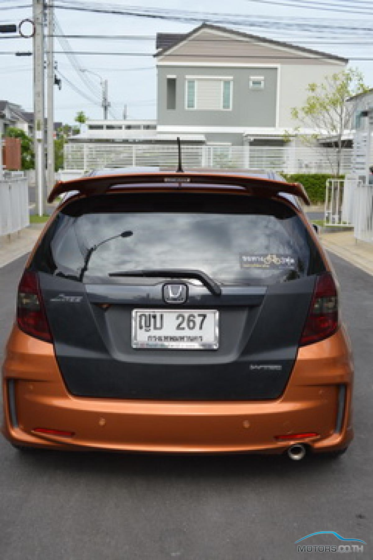 Secondhand HONDA JAZZ (2011)