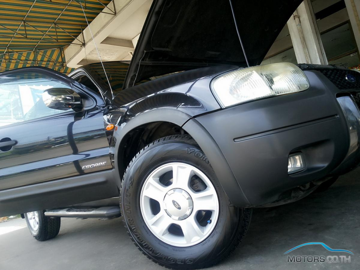 Secondhand FORD ESCAPE (2003)