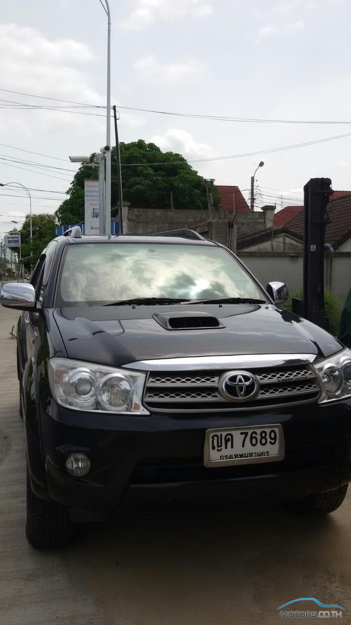 Secondhand TOYOTA FORTUNER (2011)