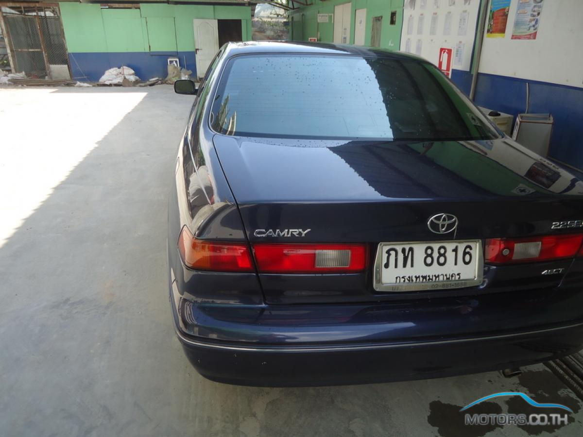 Secondhand TOYOTA CAMRY (2000)