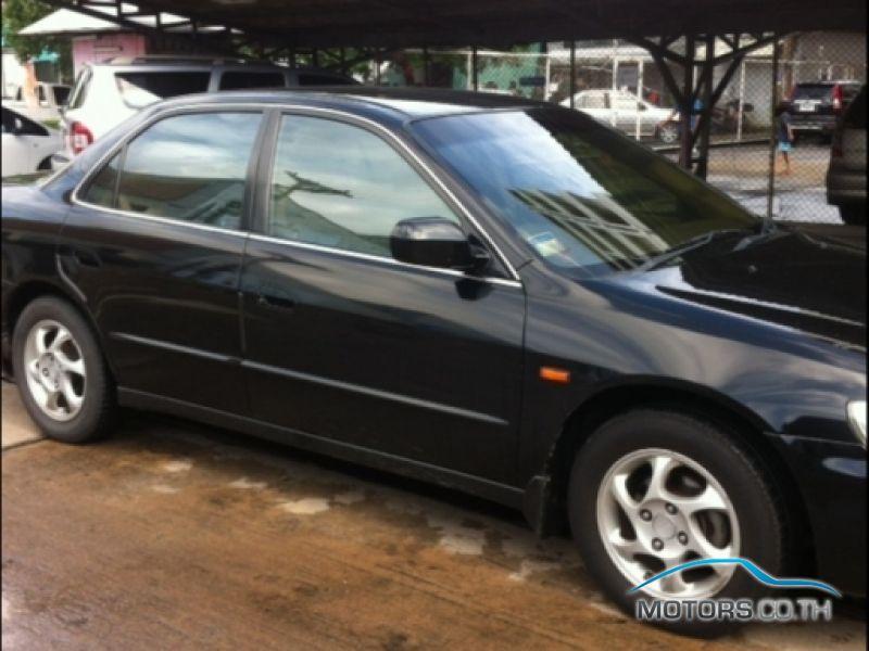 รถใหม่, รถมือสอง HONDA ACCORD (2000)