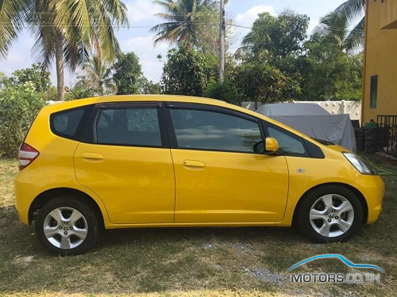 Secondhand HONDA JAZZ (2010)
