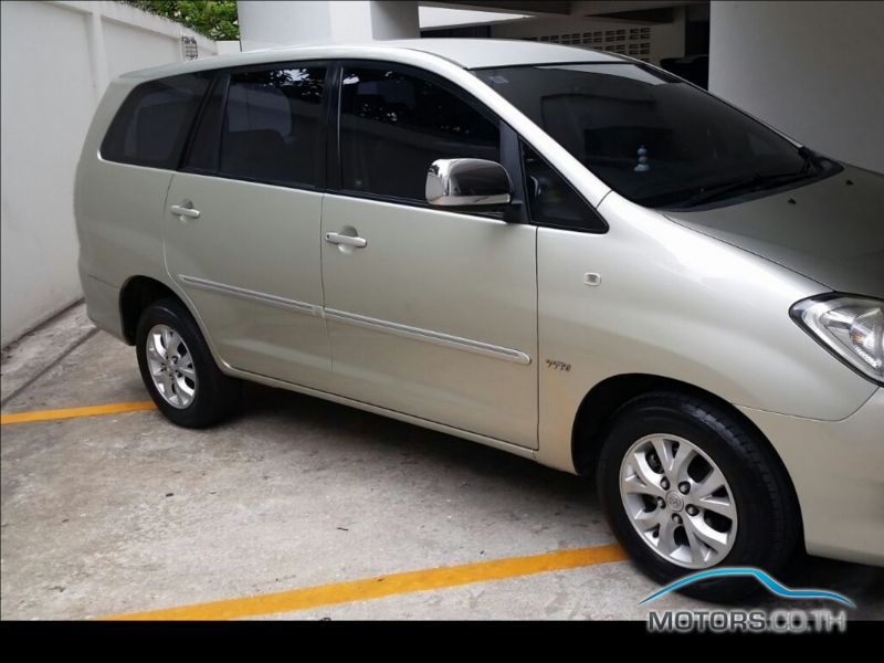 Secondhand TOYOTA INNOVA (2010)