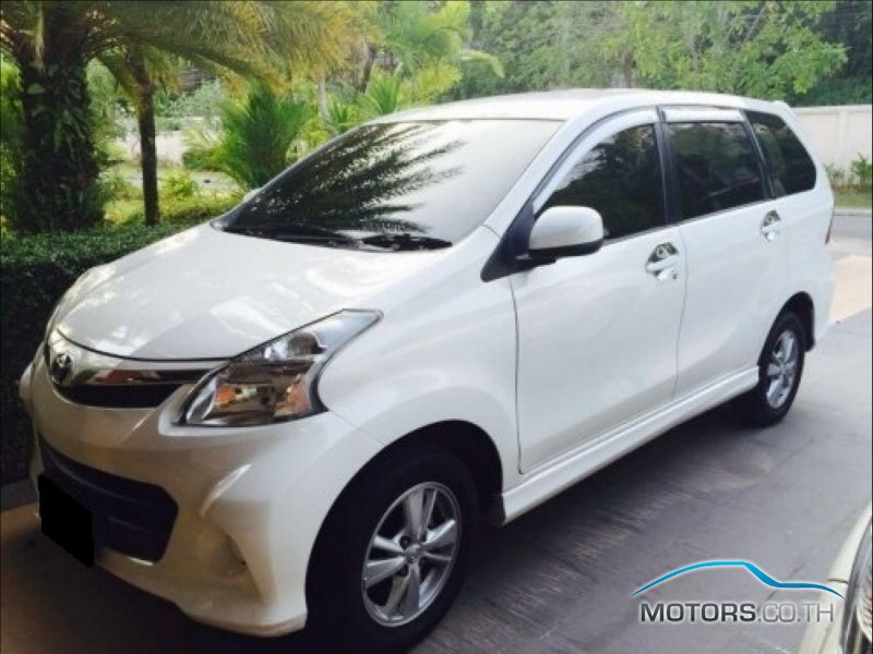 Secondhand TOYOTA AVANZA (2010)