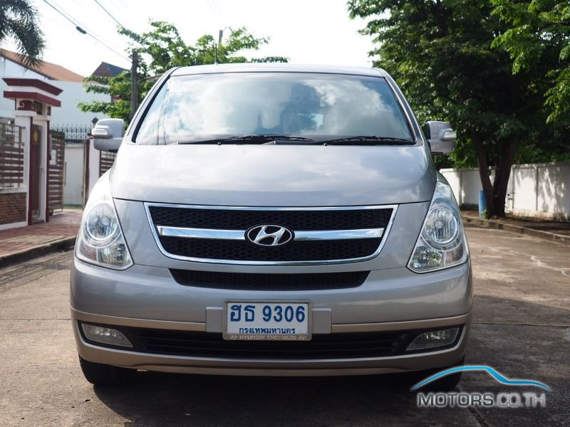 Secondhand HYUNDAI H-1 (2011)