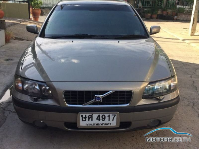 Secondhand VOLVO S60 (2004)
