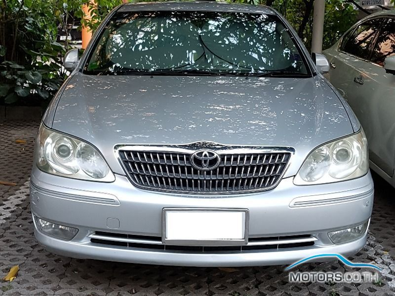 Secondhand TOYOTA CAMRY (2004)