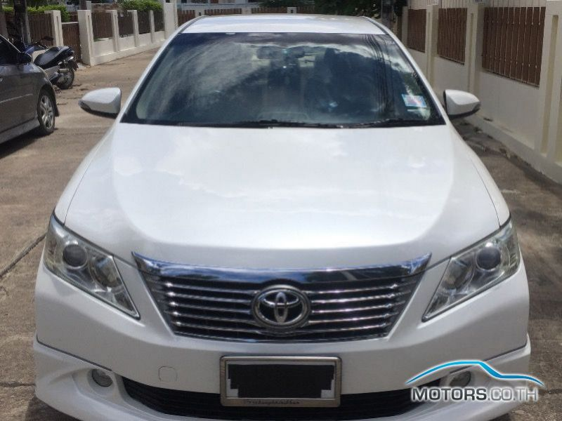 Secondhand TOYOTA CAMRY (2013)