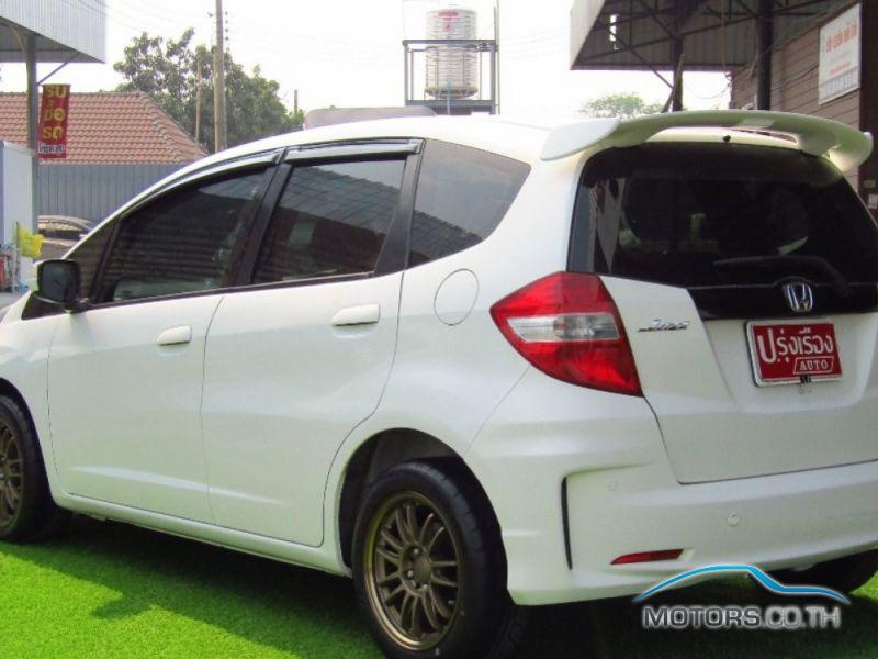 รถใหม่, รถมือสอง HONDA JAZZ (2013)