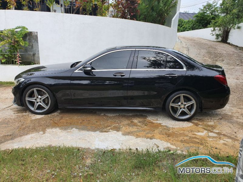 Secondhand MERCEDES-BENZ C300 (2015)