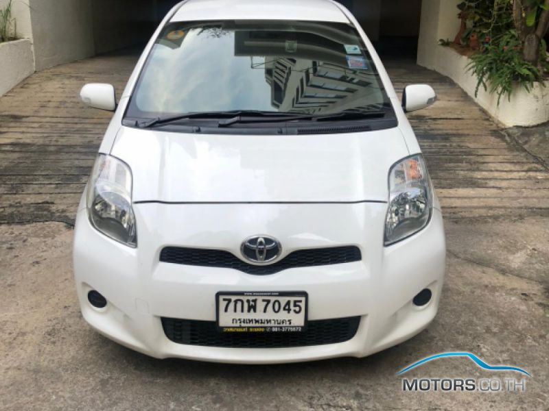 Secondhand TOYOTA YARIS (2012)