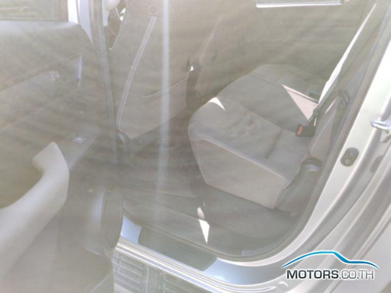 รถใหม่, รถมือสอง TOYOTA HILUX REVO (2015)