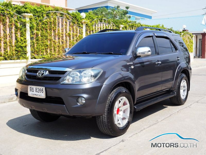Secondhand TOYOTA FORTUNER (2006)