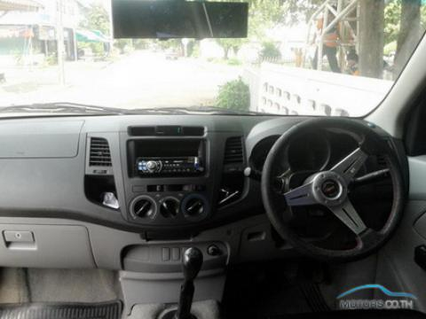 New, Used & Secondhand Cars TOYOTA HILUX VIGO (2004)