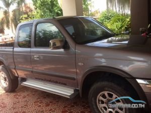 Secondhand FORD RANGER (2005)
