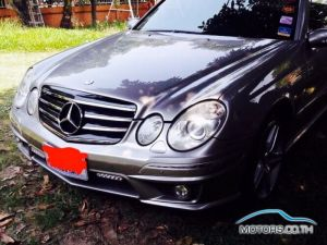 Secondhand MERCEDES-BENZ E240 (2004)