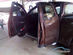 รถมือสอง, รถยนต์มือสอง NISSAN NP 300 NAVARA (2016)