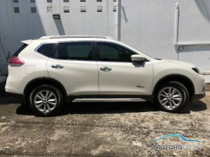 Secondhand NISSAN X-TRAIL (2017)