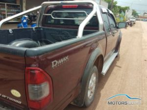 Secondhand ISUZU D-MAX (2002)
