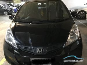 Secondhand HONDA JAZZ (2013)