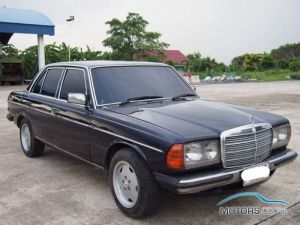 Secondhand MERCEDES-BENZ 300D (1989)