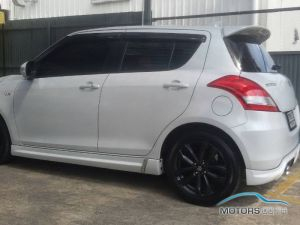 Secondhand SUZUKI SWIFT (2018)