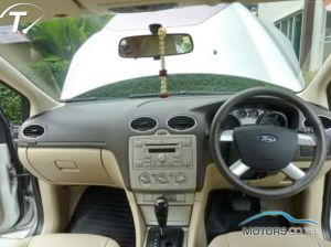 Secondhand FORD FOCUS (2010)