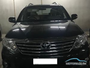 Secondhand TOYOTA HILUX (2012)