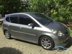 Secondhand HONDA JAZZ (2006)