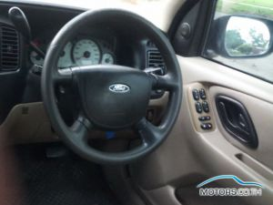 Secondhand FORD ESCAPE (2004)