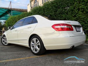 Secondhand MERCEDES-BENZ E250 CGI BLUEEFFICIENCY (2011)