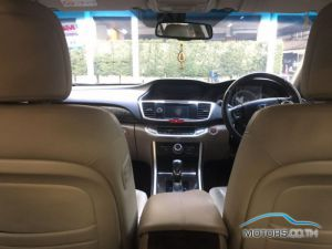 Secondhand HONDA ACCORD (2013)
