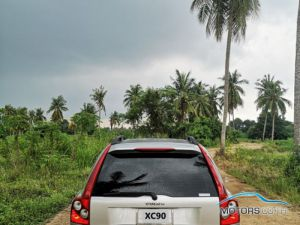 Secondhand VOLVO XC90 (2005)